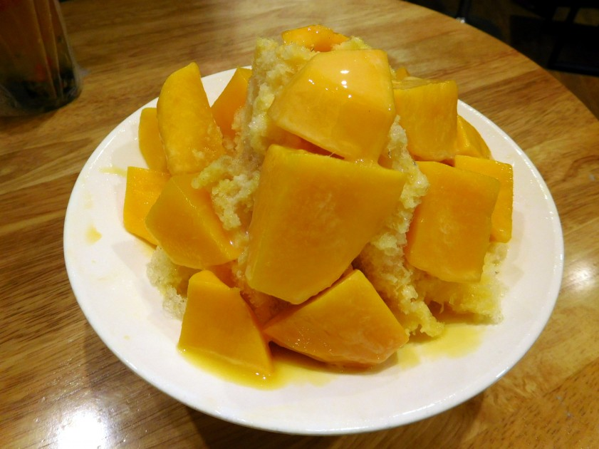 Fresh mango shaved ice, 綠豆蒜啥咪 (Songjiand Nanjing)
