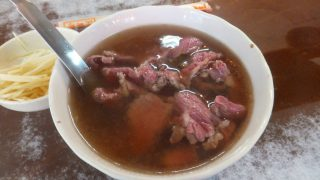 Tainan : Beef soup at SIX THOUSANDS BEEF SOUP (六千牛肉湯)